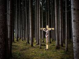 alex-on-the-cross-in-the-forest